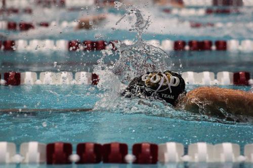 Pływackie akcesoria treningowe